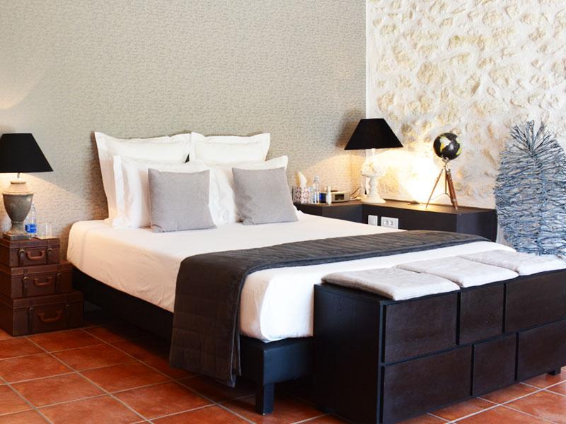 chambre avec terrasse piscine pezenas hérault