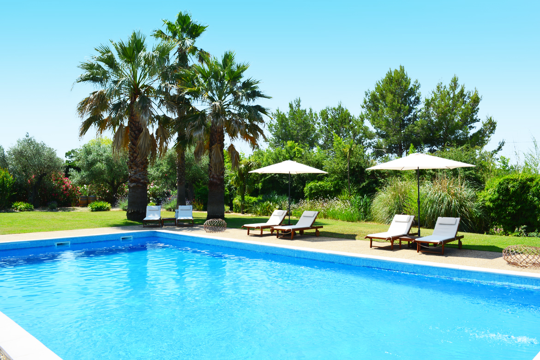 hotel piscine pezenas